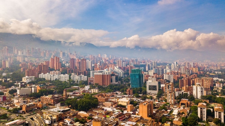 Medellín fue una vez conocido por las drogas y la violencia de pandillas (Shutterstock)