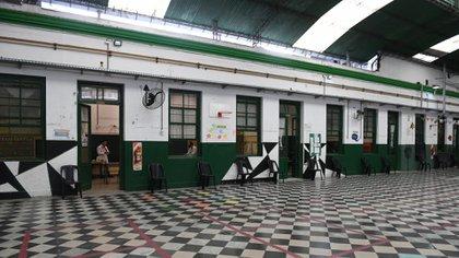 En la Provincia de Buenos Aires, el 52% de los docentes y auxiliares que estaban registrados ya recibieron al menos una de las aplicaciones (Maximiliano Luna)