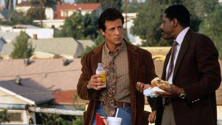 "Sylvester Stallone y John Wesley en ""Stop! Or My Mom Will Shoot"" (1992)"