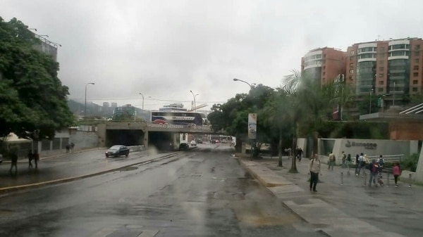 En Caracas se siente el paro (@ReporteYa)