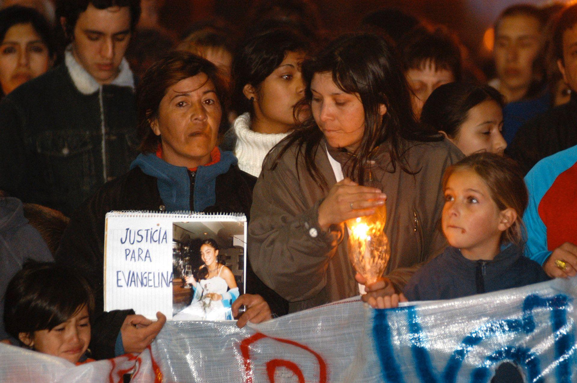 Marcha para pedir justicia por las tres muertes