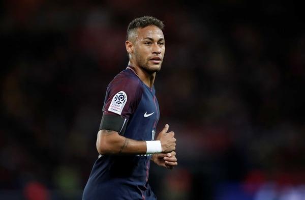 Neymar tiene los días contados en París, donde aprovecha para convertirse en el mejor del mundo antes de emigrar al Real Madrid (Reuters)