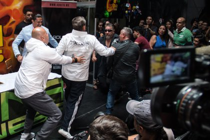 Alfredo Adame y Carlos Trejo, ofrecieron conferencia de prensa para dar detalles sobre su pelea de ajuste de cuentas, que nunca se realizó (FOTO: ANDREA MURCIA /CUARTOSCURO.COM)