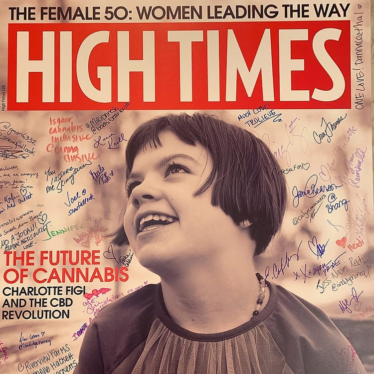 Charlotte fue tapa de la célebre revista cannábica High Times, quien tituló