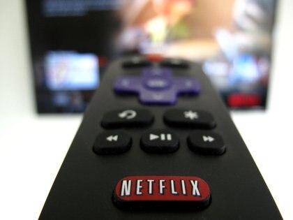 Netflix también tendrá estrenos en anime y en documentales (Foto: REUTERS/Mike Blake/File Photo)