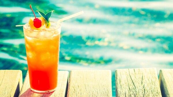 Son muchas las opciones de cócteles para disfrutar durante el verano