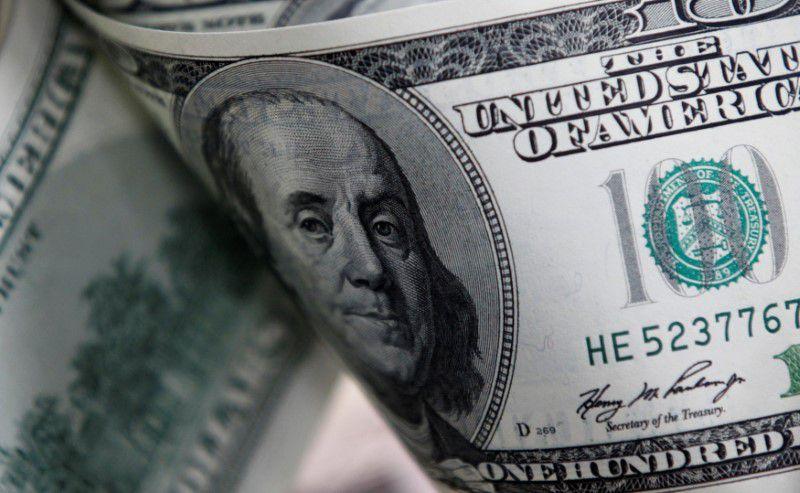El dólar mayorista asciende 10% en 2020. (Reuters)