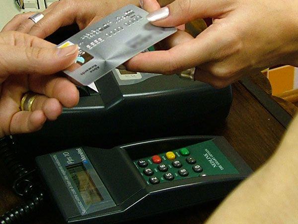 La ciudad empezó a cobrar Ingresos Brutos sobre los pagos con tarjeta