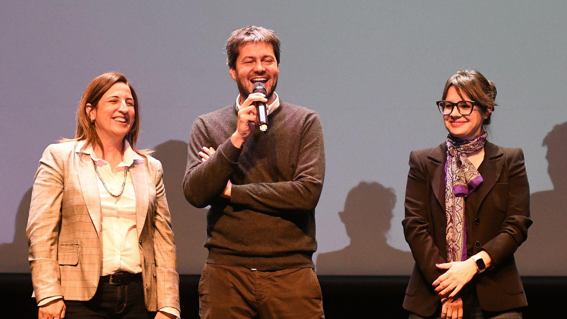Claudia Neira, Matías Lammens y Gisela Marziotta