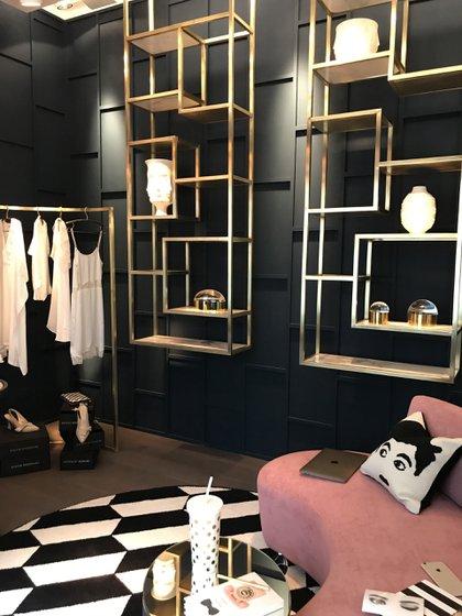 """En el espacio N° 17 se creó el """"Home Office de una Fashion Influencer"""", por Mariana Galante y Josefina Somoza"""