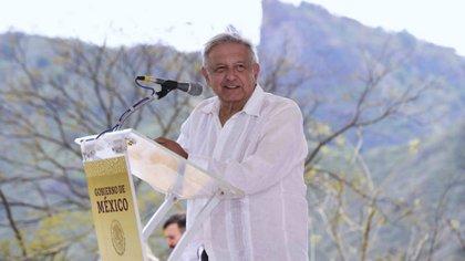 AMLO inauguró un camino en Badiraguato, de donde es originario el Chapo Guzmán, a finales de marzo (Foto: Cortesía Presidencia)