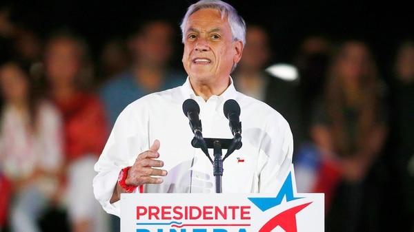 Piñera es el favorito pero no le alcanzaría para ganar en primera vuelta (EFE)