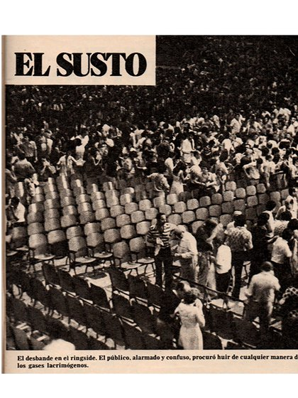The scare, that is how El Gráfico had titled the image where it was seen how many spectators had run through the gases and run over, in the middle of an oppressive hot night in Buenos Aires