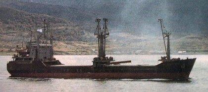 El buque Isla de los Estados: fue atacado cuando llevaba provisiones para los soldados, de sus 25 tripulante solo dos sobrevivieron