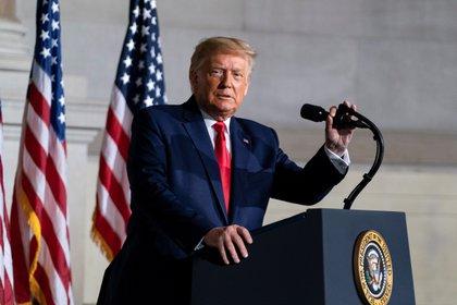 """Trump dice la jueza Ruth Bader Ginsburg """"tuvo una vida asombrosa"""""""