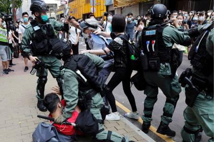 Tras un período de relativa calma por la crisis del coronavirus, las protestas volvieron a tomar las calles de Hong Kong (Reuters)