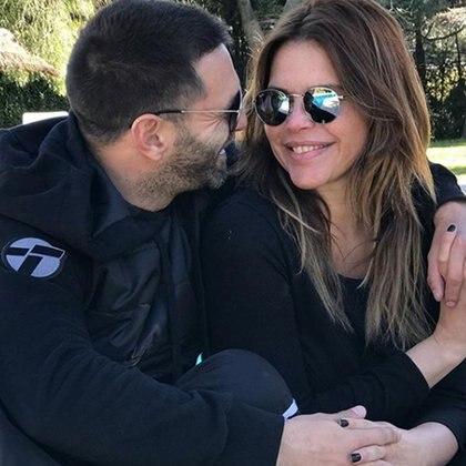 Nazarena Vélez y Santiago Caamaño (Instagram)