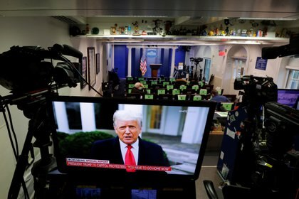 El presidente de los Estados Unidos Donald Trump hizo una declaración desde la Casa Blanca después de que sus partidarios irrumpieran en el Capitolio, el 6 de enero de 2021. REUTERS/Carlos Barria