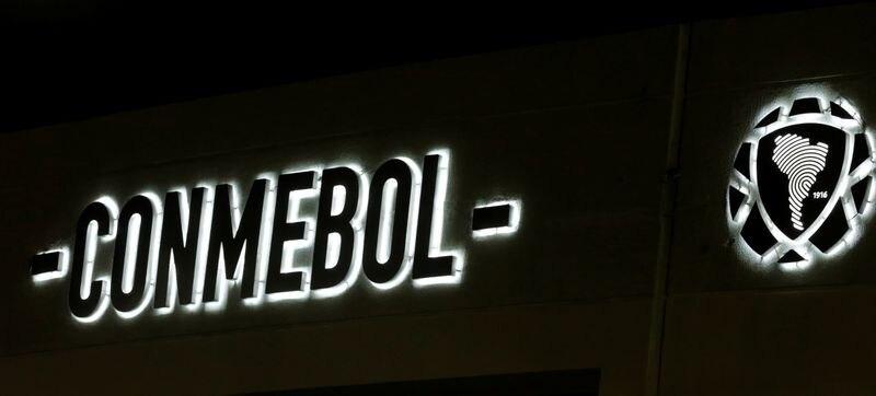 Foto de archivo del logo de la Conmebol en la sede de la entidad en Luque, Paraguay.  Jun 14, 2017 REUTERS/Jorge Adorno