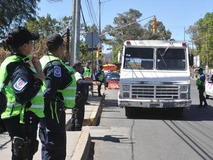 Si de enero a junio de 2019 se cometían en promedio 216 robos en transporte público por semana en el Estado de México, en 2020 la cifra llegó a estacionarse en 100 casos por semana (Foto: Armando Monroy/Cuartoscuro.com)