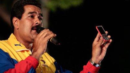 """Guaidó acusa a Maduro de """"usurpar"""" la presidencia de Venezuela"""