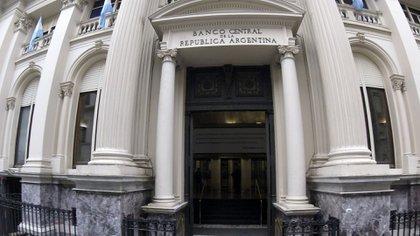 Hanke propone eliminar el Banco Central (NA)