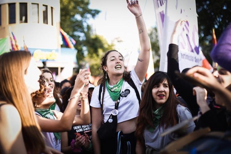 En Argentina, la 34° edición de Encuentro Nacional de Mujeres fue el más masivo de su historia. El primero, en 1986, convocó a 1.000 mujeres. El año pasado, en Trelew, asistieron 50.000 participantes. La Plata, que fue sede por segunda vez, recibió a 200.000 mujeres, lesbianas, travestis y trans (Paula Avila)