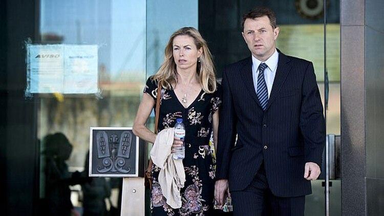 En un principio las autoridades consideraron a los padres de Maddie como los principales sospechosos, hasta que determinaron que son inocentes (AFP)