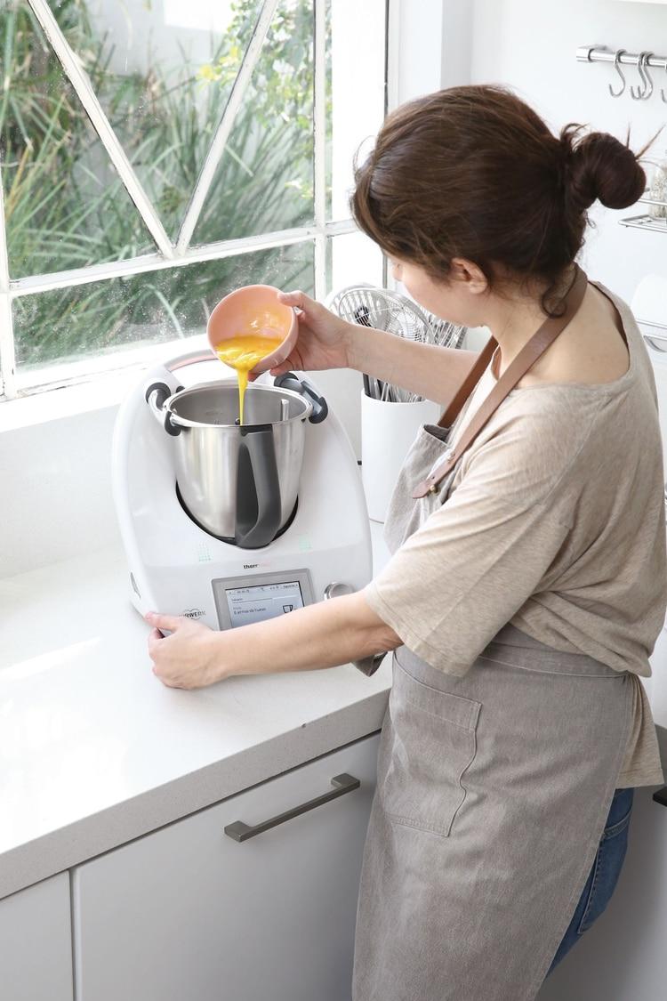 Está pensado para uso domiciliario y las recetas son para 4 a 6 porciones, aunque se pueden aumentar para obtener una mayor cantidad de platos.