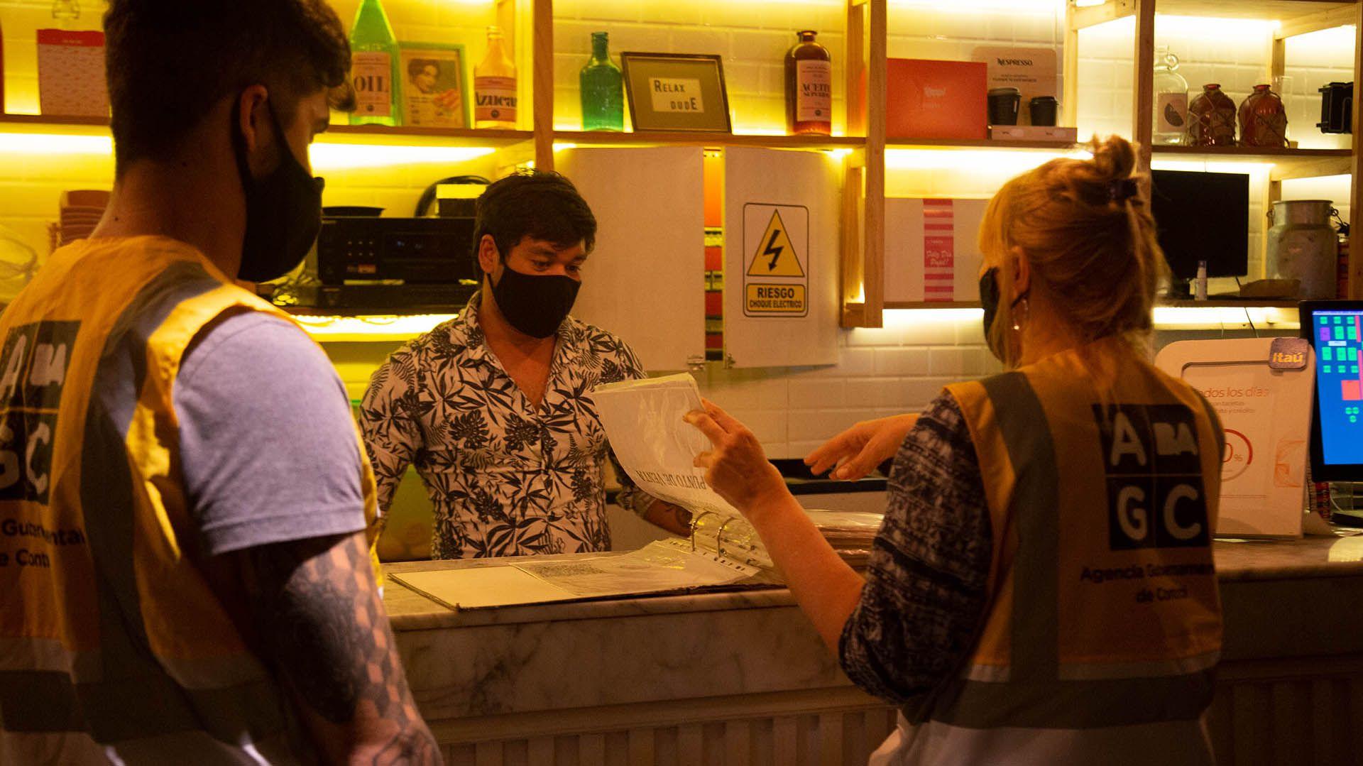 Coronavirus: la Ciudad llevó adelante controles nocturnos en 76 zonas gastronómicas y espacios verdes