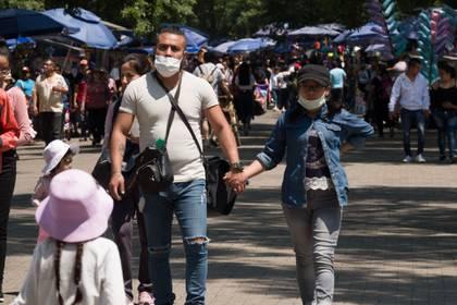 Las autoridades sanitarias pidieron a las personas acatar las recomendaciones de la Jornada Nacional de Sana Distancia para evitar la propagación del virus (Foto: Cuartoscuro)