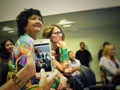 Junto a la prestigiosa socióloga e historiadora feminista Dora Barrancos, que fue candidata a senadora por el Frente de Todos.