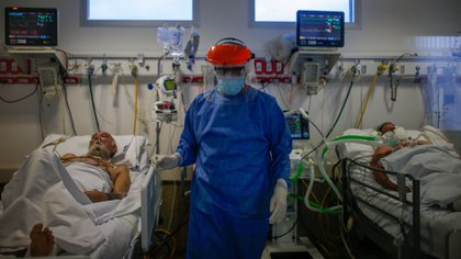 El sector de la salud es el que más ayuda puede solicitar (EFE/Juan Ignacio Roncoroni)