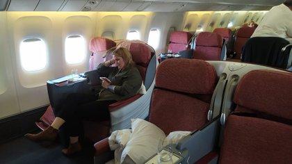 El vuelo que comenzó a operar este miércoles por Latam Brasil tiene un costo de 800 dólares, entre ida y regreso