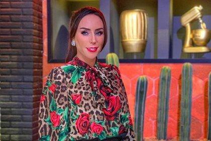 Hasta el momento la presentadora mexicana no se ha pronunciado por este movimiento de horarios. (Foto: Instagram)