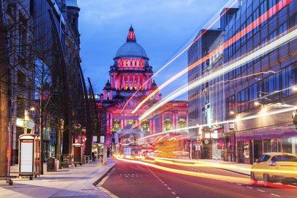 La capital de Irlanda del Norte vio caer los precios en un considerable 23,7% desde el cierre, lo que convierte a Belfast en la más barata de las cuatro capitales del Reino Unido en la lista