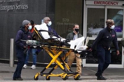 Estados Unidos registró un considerable aumento de casos en los últimos días (REUTERS/Carlo Allegri)