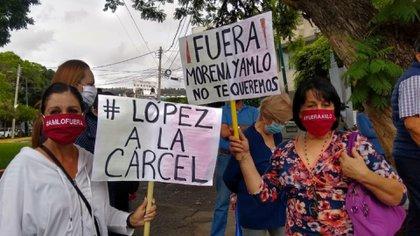FRENAAA protesta en Michoacán previo a la conferencia mañanera de López Obrador (Foto: Twitter @PrimeraplanaN)