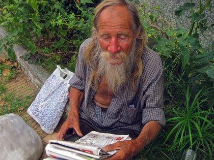 """""""Espero leer la vida de los grandes hombres de la historia… Los descubridores, los viajeros"""", dice"""