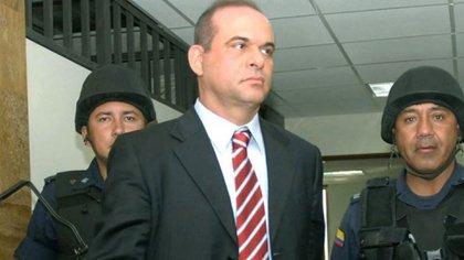 """Mancuso pide, si vuelve a Colombia, """"casa por cárcel""""."""