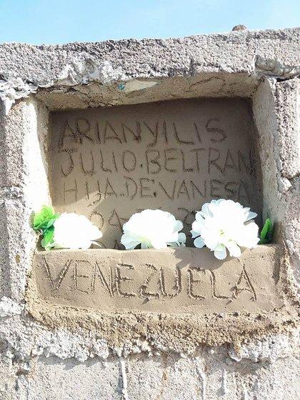 La tumba de la joven de 16 años que falleció electrocutada.