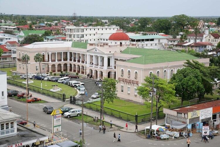 Vista panorámica del Palacio gubernamental en Georgetown, capital de Guyana (Shutterstock)