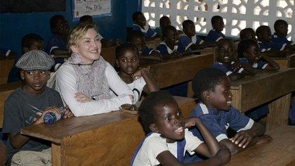 Madonna en el orfanato Casa de la Esperanza