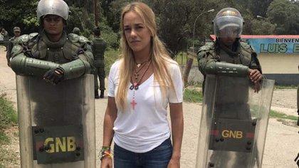 Lilian Tintori en la puerta del penal de Ramo Verde, una de las tantas veces en las que no pudo visitar a su esposo