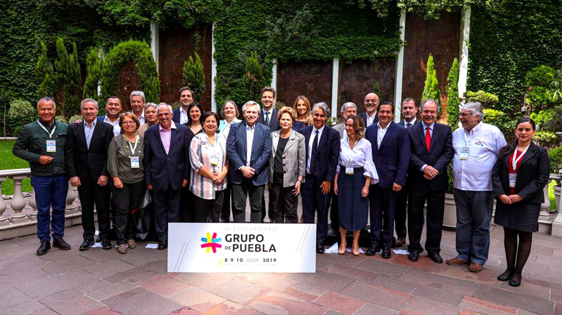 La foto de familia de los integrantes del Grupo de Puebla reunidos en Buenos Aires