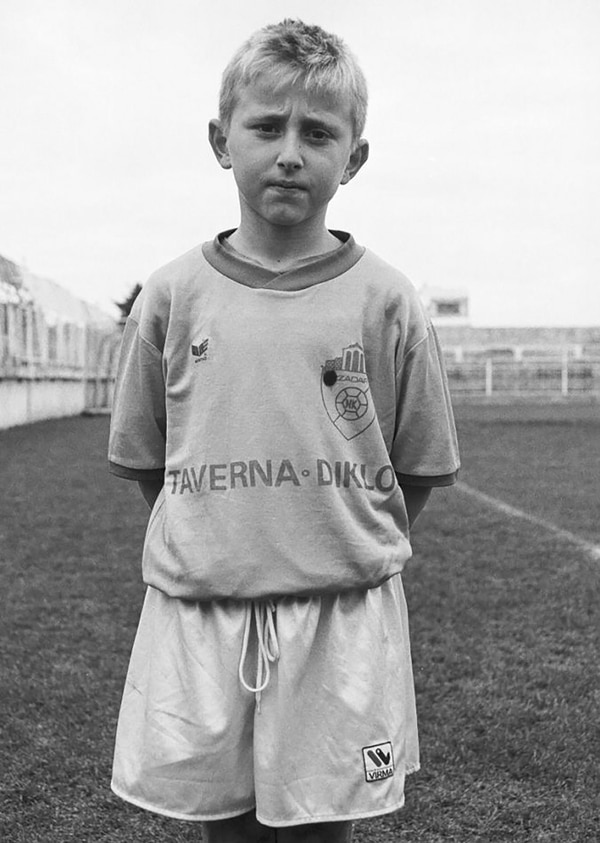 Luka Modric tiene hoy 32 años, está en pareja con Vanja y es padre de tres hijos: Ivano, Ema y Sofía