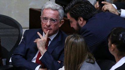 Jóvenes judíos se manifiestan en contra de Álvaro Uribe por uso de supuesta teoría neonazi en trino