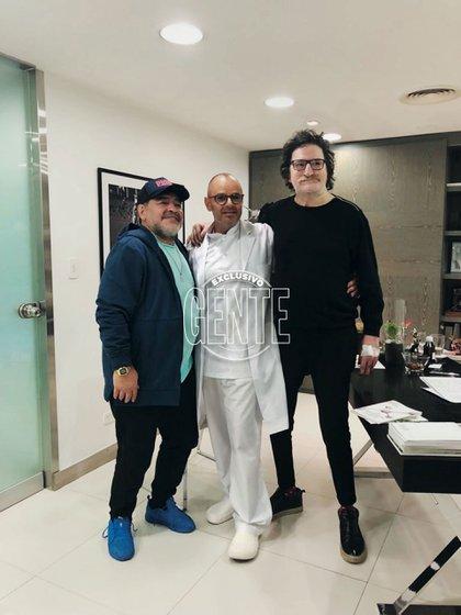 Charly García y Diego Armando Maradona junto al doctor Mühlberger (Foto Maximiliano Vernazza/GENTE)