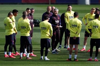 El Barcelona busca un recambio en el equipo - REUTERS/Albert Gea
