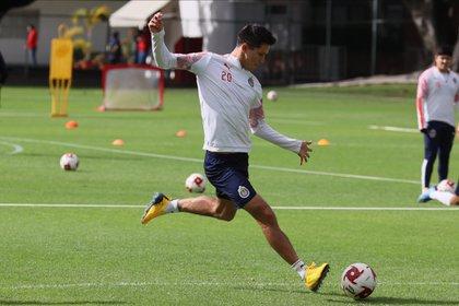 Jesús Molina comentó que los jugadores que se dicen las cosas de frente (Foto: Twitter @Chivas)
